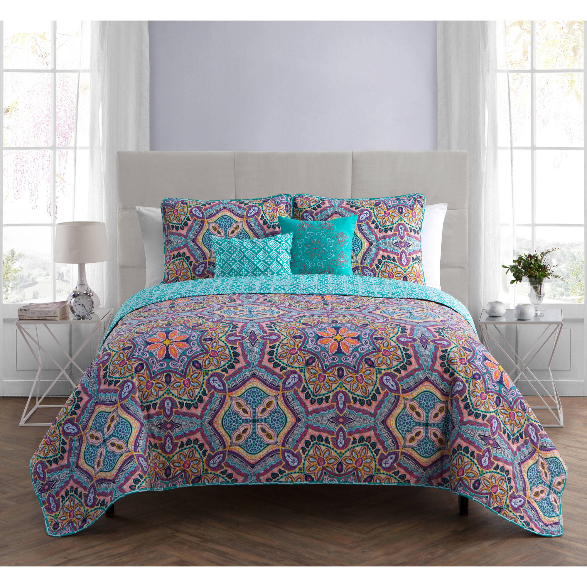 VCNY Home Yara Geometric Medallion 4/5-Piece Reversible Bedding Quilt Set, Multiple Sizes and Colors