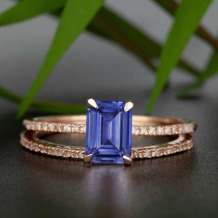 Dazzling 1.50 Carat Emerald Cut Sapphire and Diamond Wedding Ring Set in Rose Gold (Dazzling Rock Bridal Sets)
