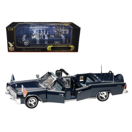 1961 Lincoln X-100 Kennedy Limousine Blue with Flags 1/24 Diecast Model Car by Road (Signature Model Cars)