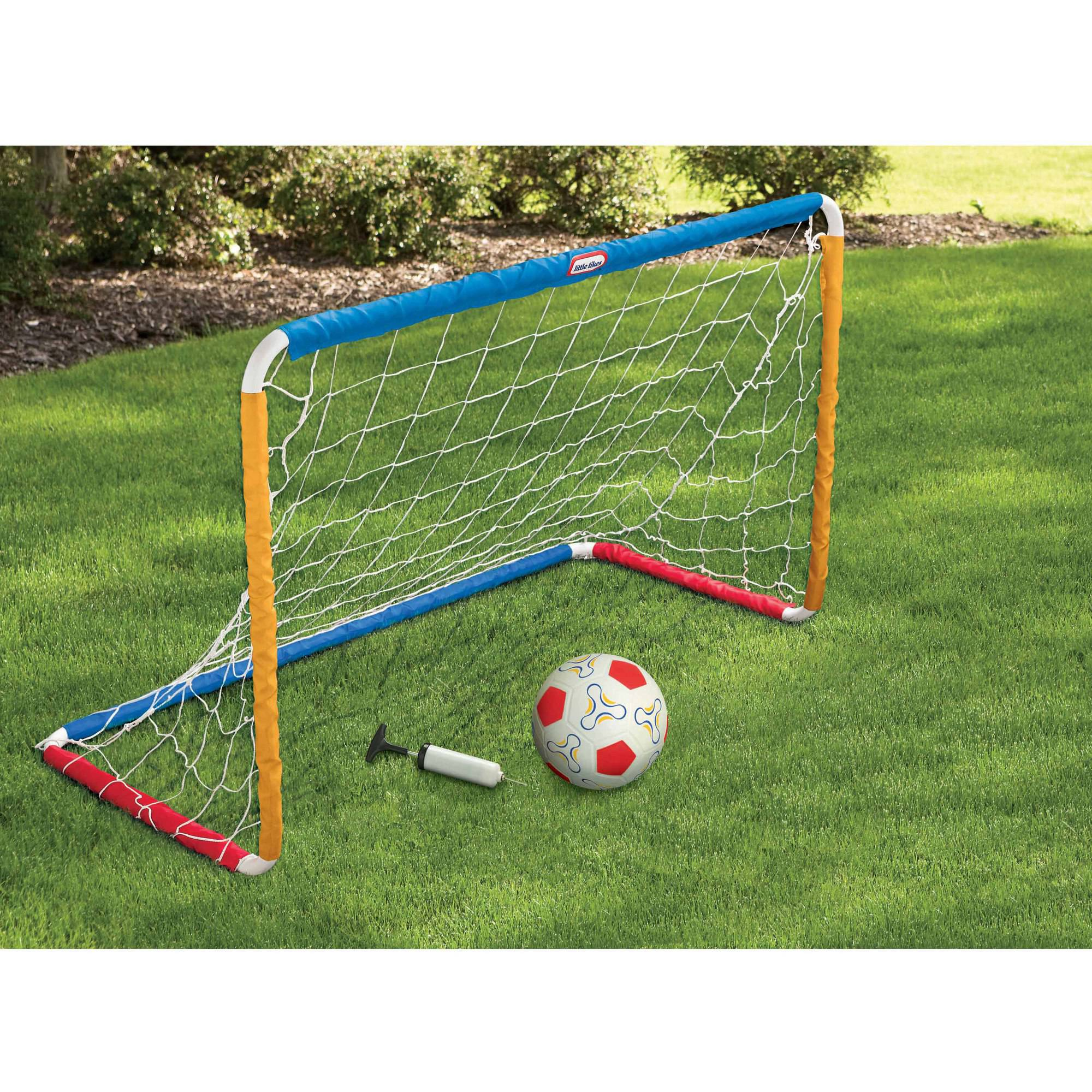 Little Tikes Easy Score Soccer Set by MGA Entertainment