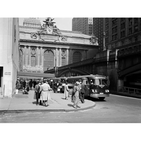 1940s Buses at Airlines Terminal Building on Park Ave Pershing Square Grand Central Station Print Wall - Halloween Central Ave