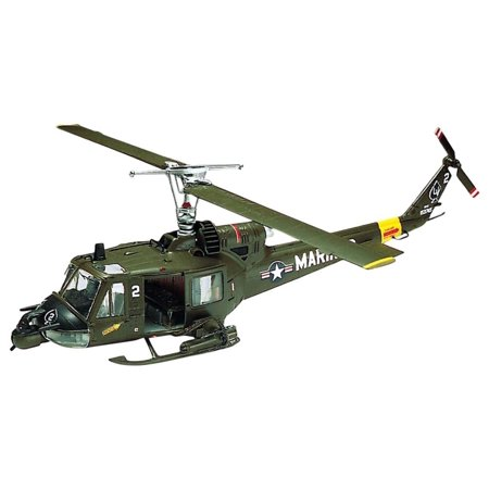 Plastic Model Helicopter (1:48 Huey Hog Helicopter Plastic Model Kit, Includes a pilot, twin machine guns, and two rocket pods By)