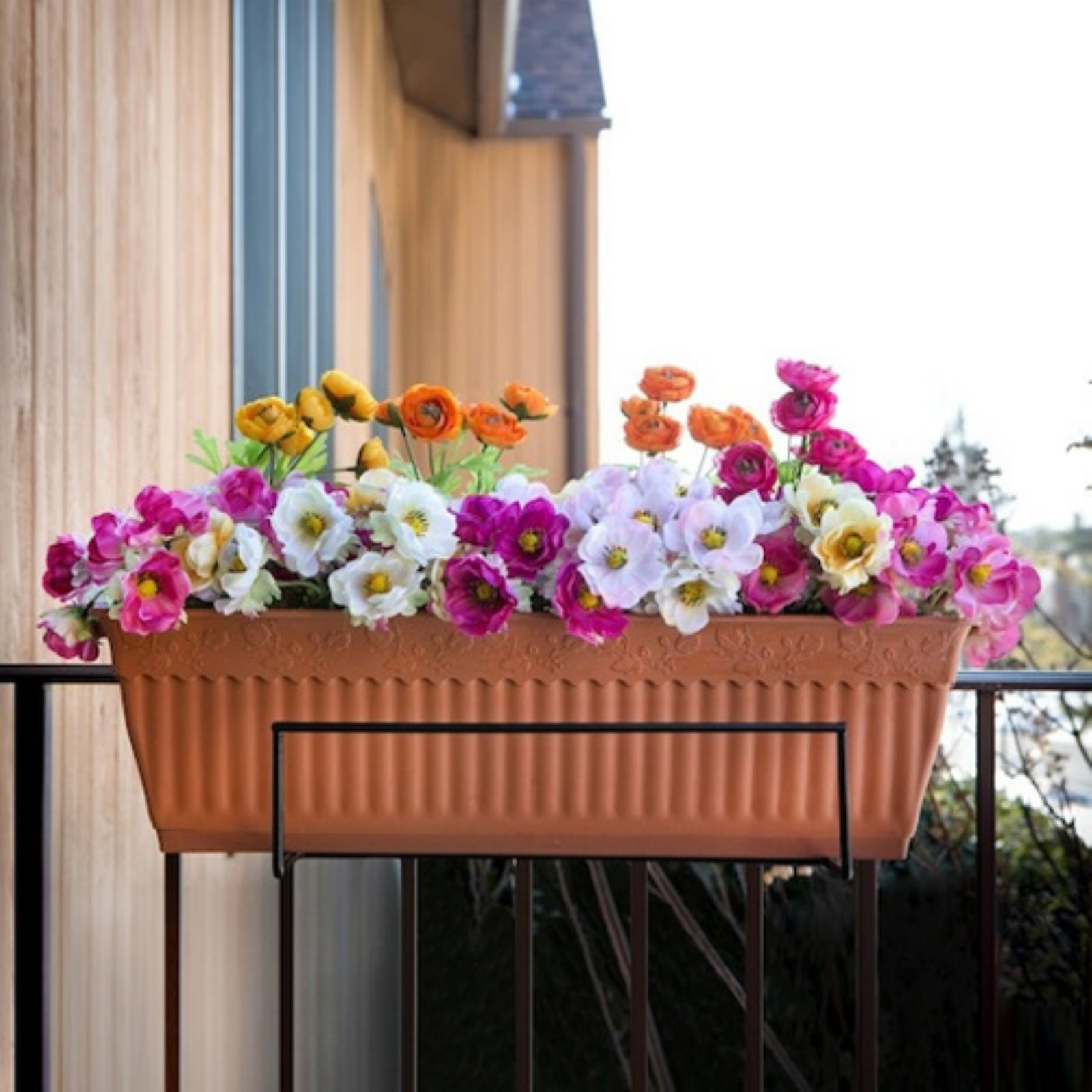 Sun Joe Deco Joe Flower Box Holder - White