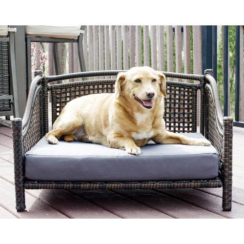 Tucker Murphy Pet Fay Maharaja Rattan Dog Sofa
