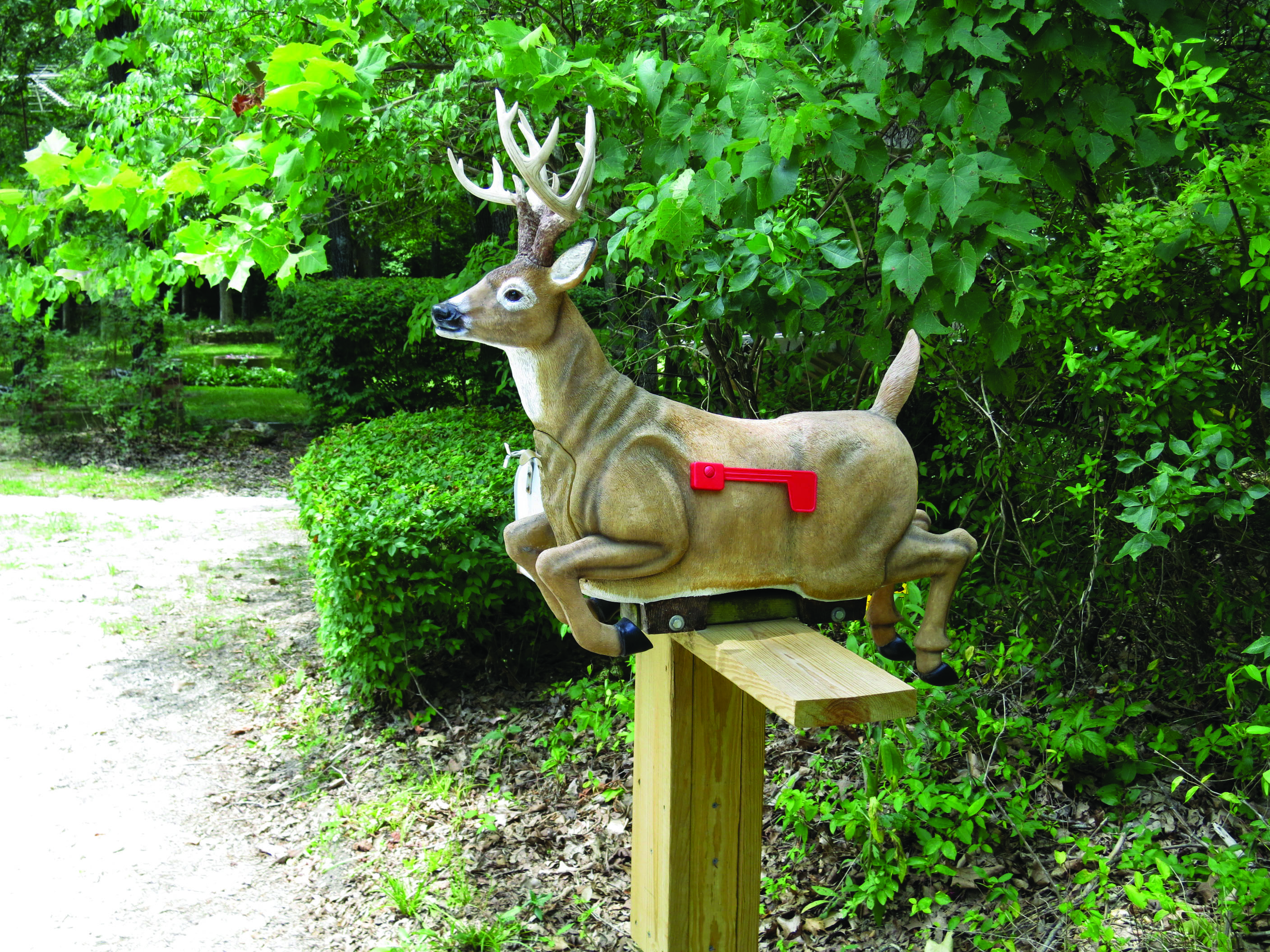 "Home Deer Stag with Antlers /& Flag Mail Box Rivers Edge 38/"" Long Deer Mailbox"