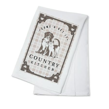 Cat Dish Towels - Country Kitchen - Dog & Cat on Plaid - Lantern Press Artwork (100% Cotton Kitchen Towel)