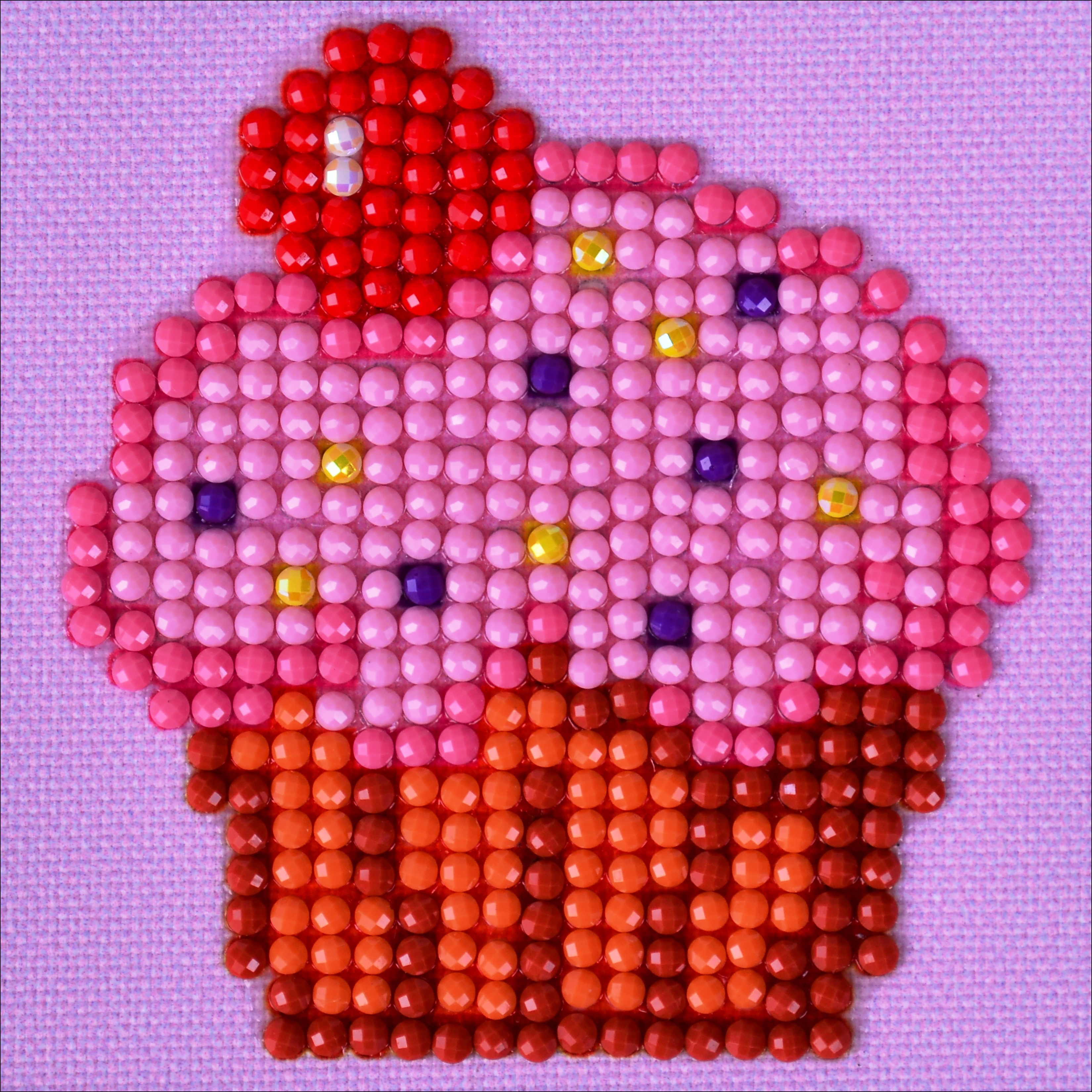 "Diamond Dotz Diamond Embroidery Facet Art Kit 4.75""X4.75""-Cup Cake Yum"