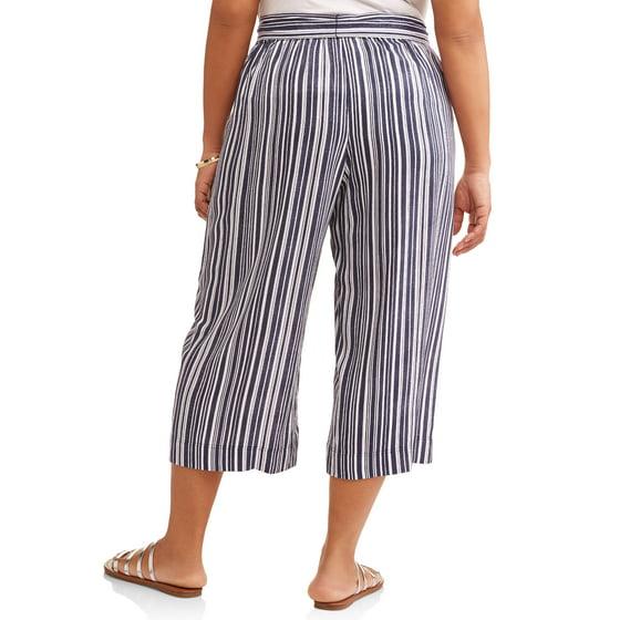 c5e6da7bf30d2 Terra   Sky - Women s Plus Tie Front Wide Leg Crop Pants - Walmart.com
