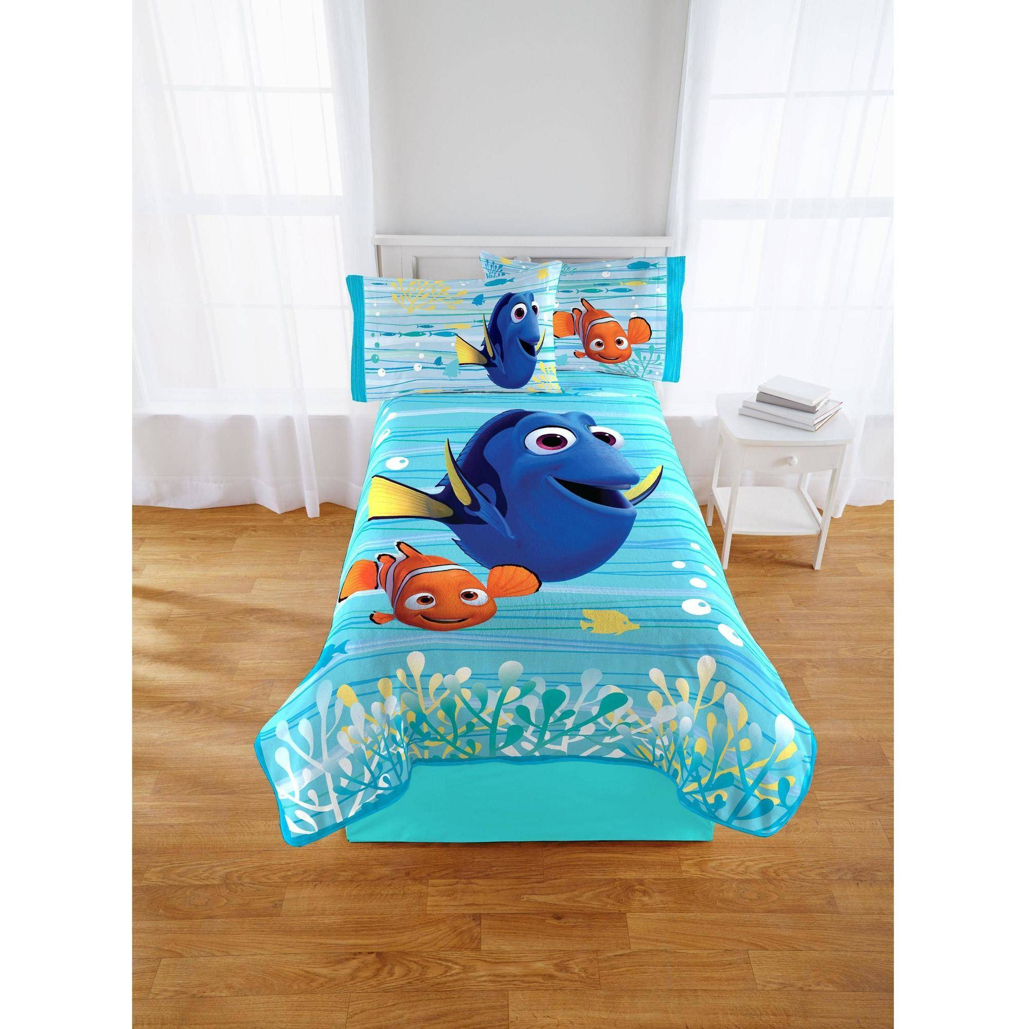 Disney Finding Dory Blanket