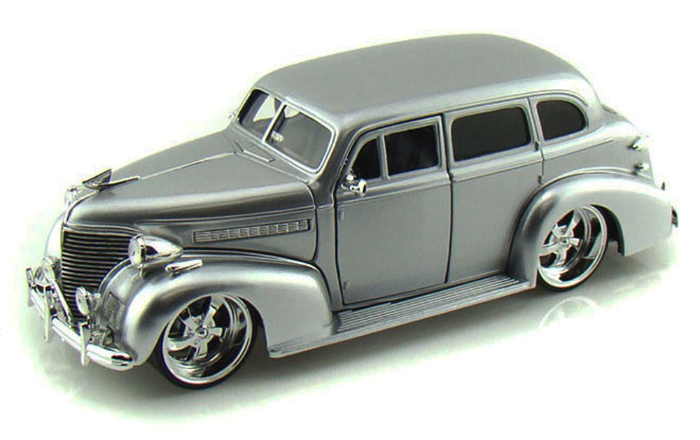 1939 Chevy Master Deluxe, Silver Jada Toys Bigtime Kustoms 90224 1 24 scale Diecast Model... by Jada