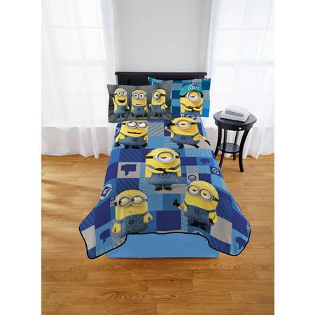 Image of Despciable Me Minions 'Think Outside' Kids Blanket