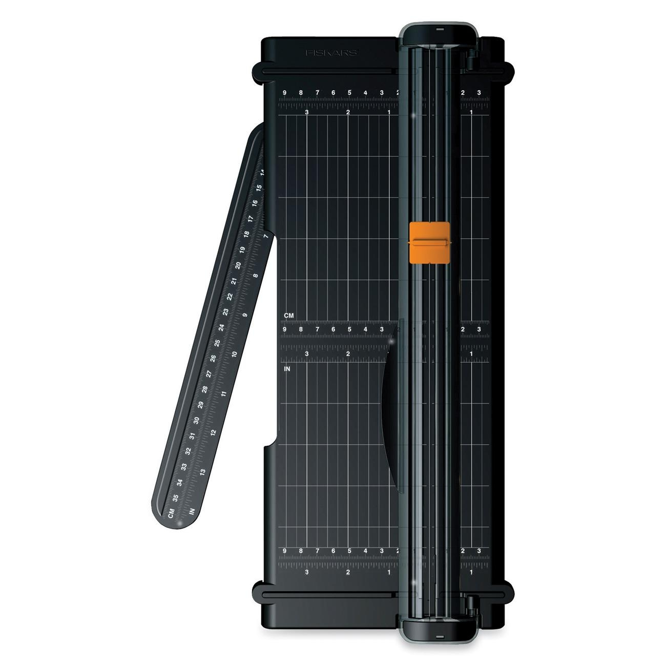 "Fiskars Portable Paper Trimmer Cuts 7SHeet 12"" Cutting Length Titanium Blade Black (FSK01005454) by Fiskars"