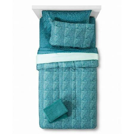 Room Essentials Twin XL Dorm Bed in Bag Teal Geometric Comforter