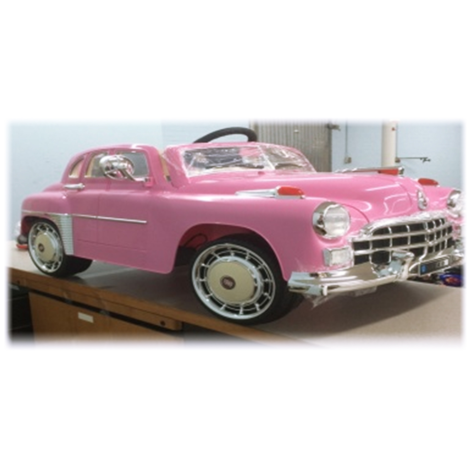 1949 Classic Kids Battery Powered Ride On Car - Pink