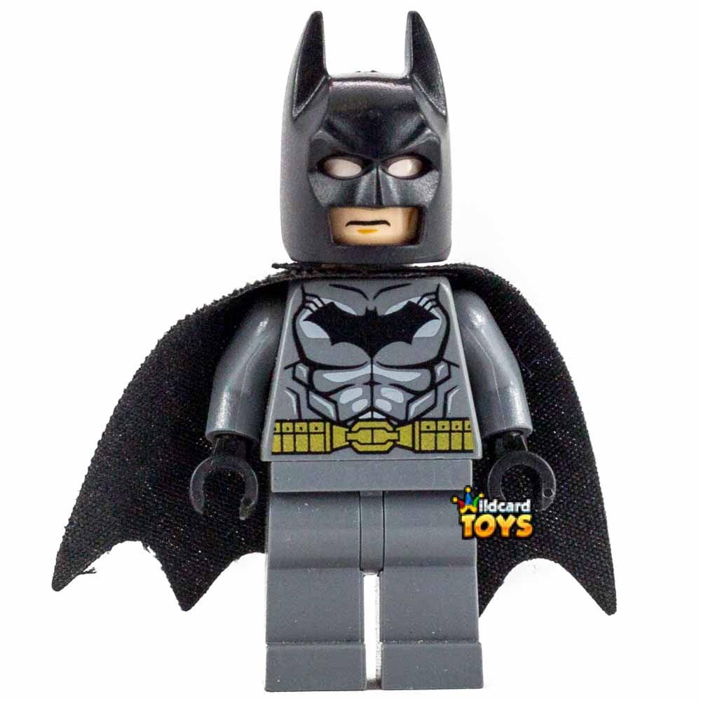 LEGO DC Super Heroes Batman - Dark Bluish Gray Suit, Gold Belt, Spongy Cape Minifigure