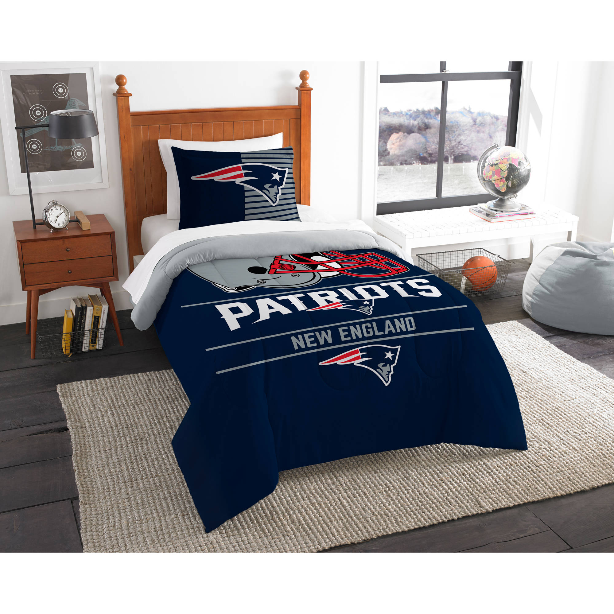 "NFL New England Patriots ""Draft"" Bedding Comforter Set"