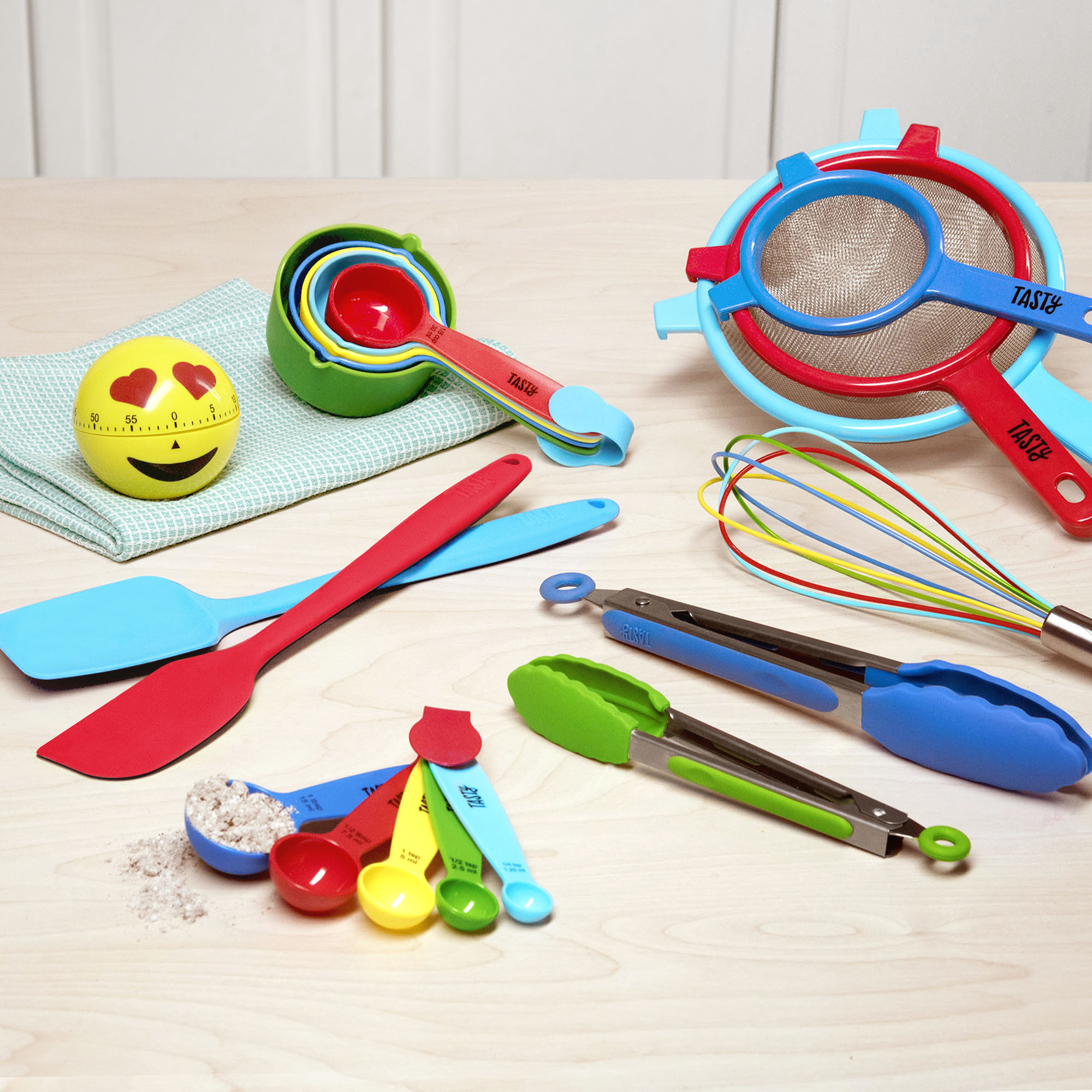 Tasty 19pc Kitchen Utensil and Gadget Set