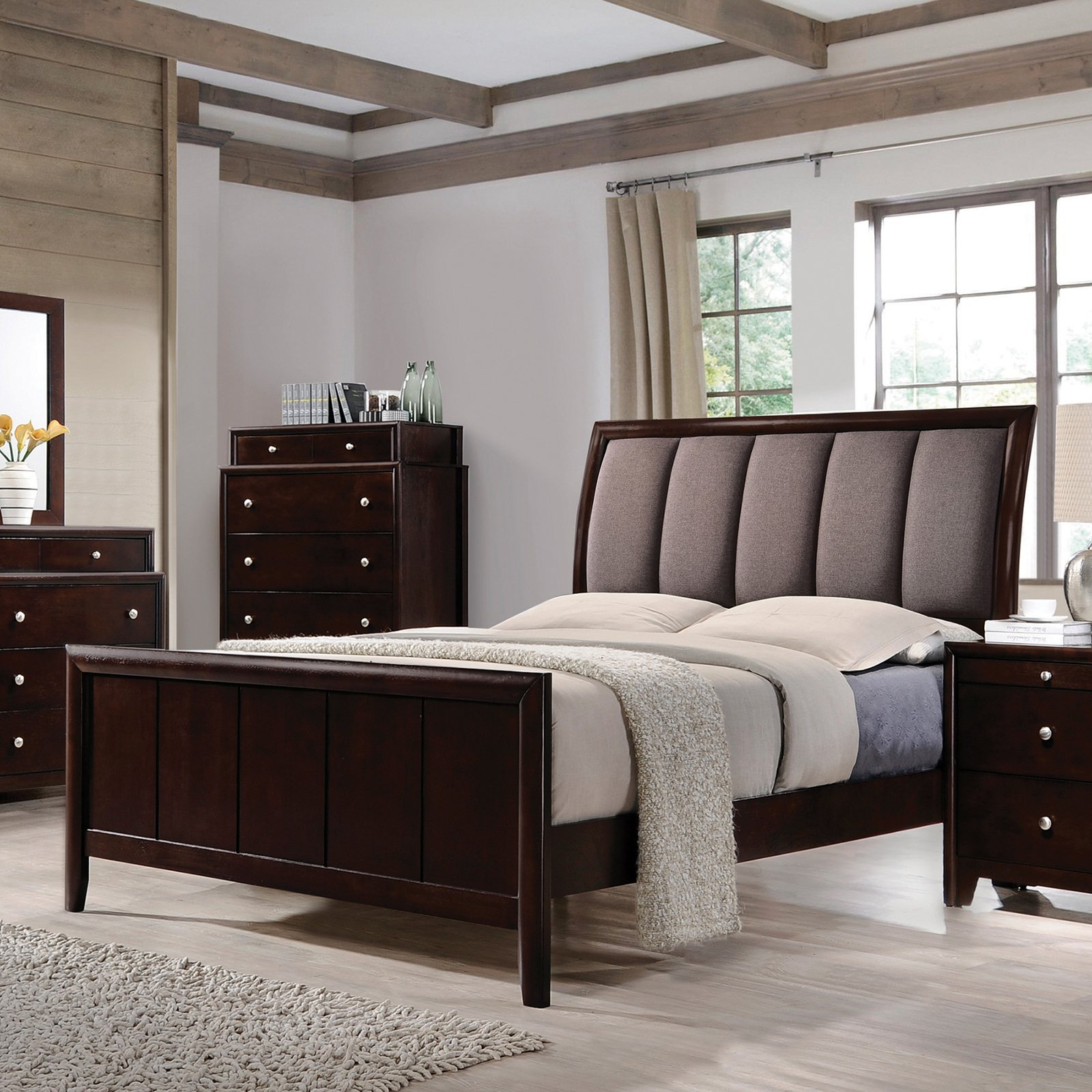 Coaster Furniture Madison Upholstered Sleigh Bed