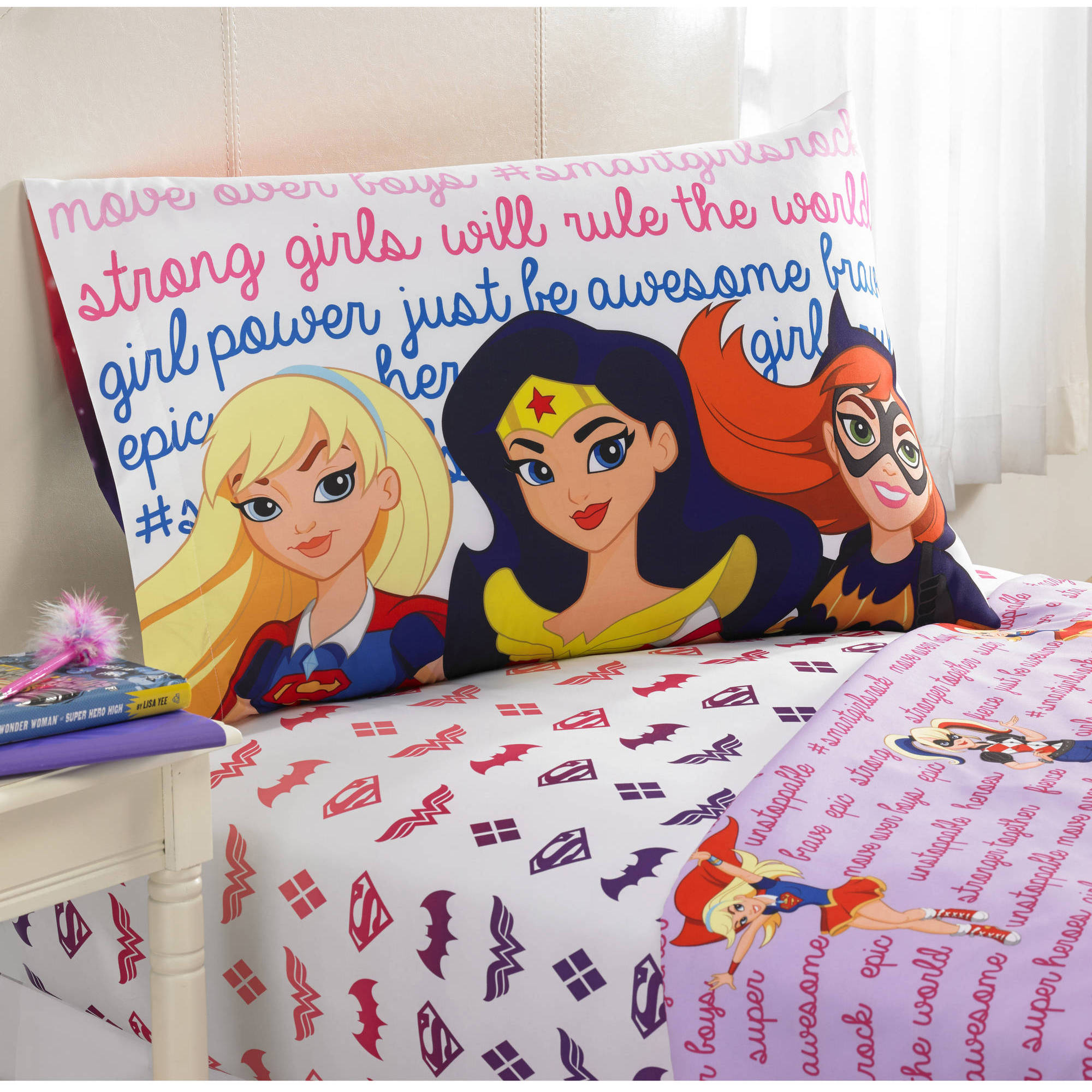 "DC Superhero Girls ""Cosmic Girl"" Polyester Sheet Set"