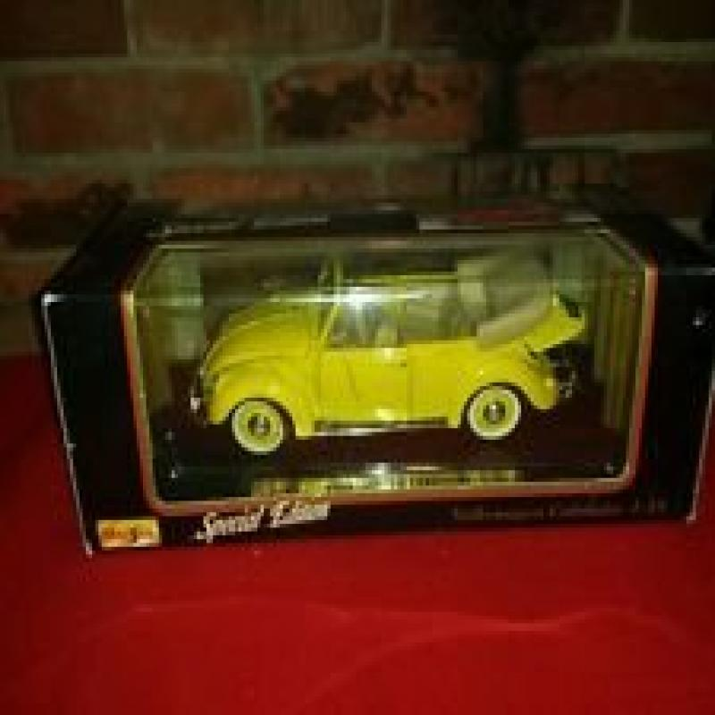 1951 Volkswagen Beetle Bug diecast model car 1:18 scale Cabriolet by Maisto - by
