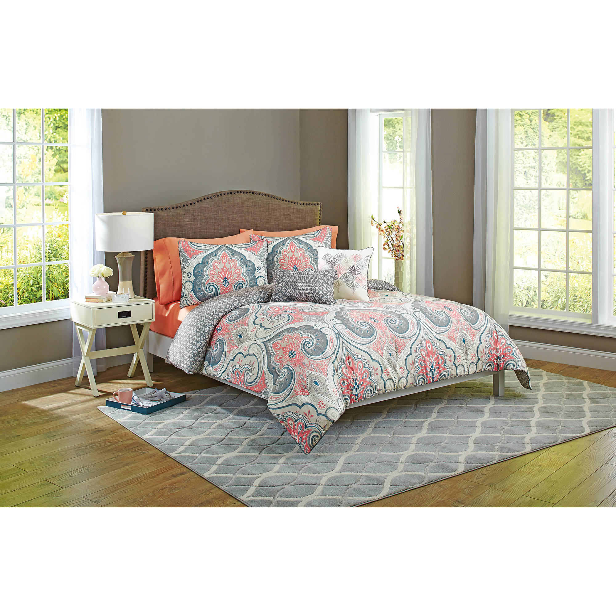 Better Home and Gardens Grey Medallion 5-Piece Bedding Comforter Set