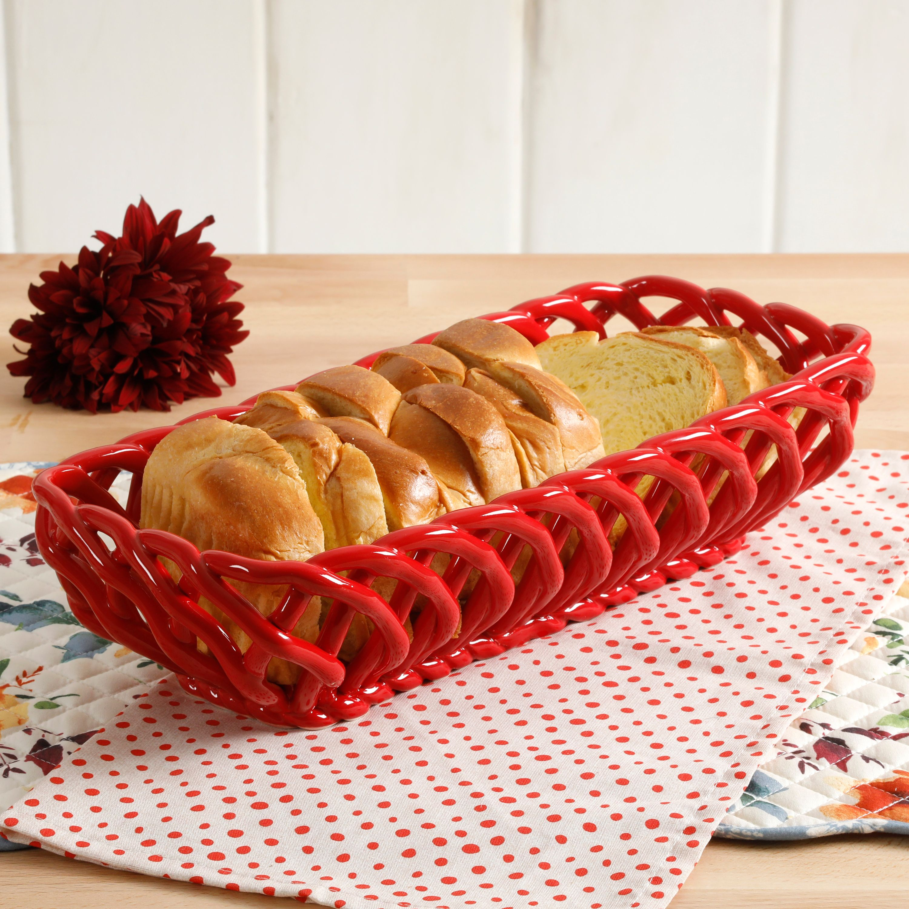 The Pioneer Woman Timeless Beauty 13 7 Inch Red Bread Dish