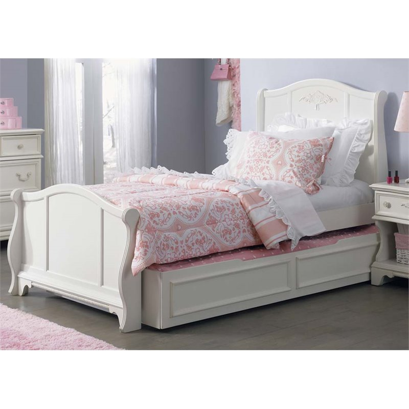 Liberty Furniture Arielle Full Sleigh Bed in Antique White