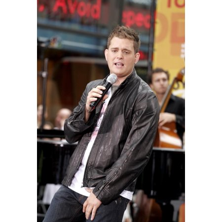 Michael Buble On Stage For Nbc Today Show Concert  Rockefeller Center  New York  Ny  August 19  2005. Photo By (Michael Buble Caught In The Act Home)