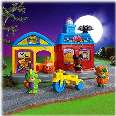 Fisher Price little people trick-or-treat surprise