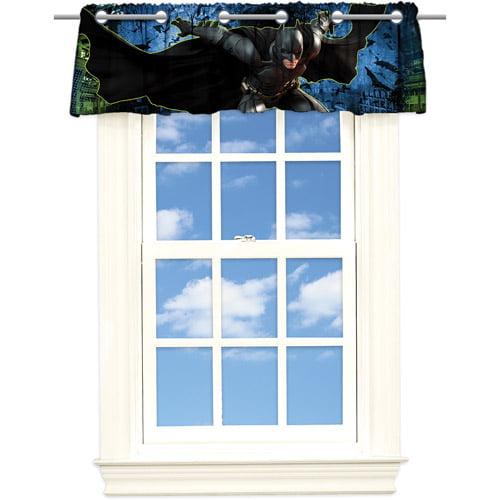 "Warner Bros. Batman ""Skyscraper"" Microfiber Valance"