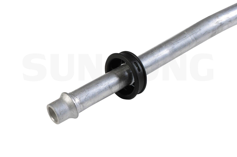 Sunsong 5801008 Engine Oil Cooler Hose Assembly