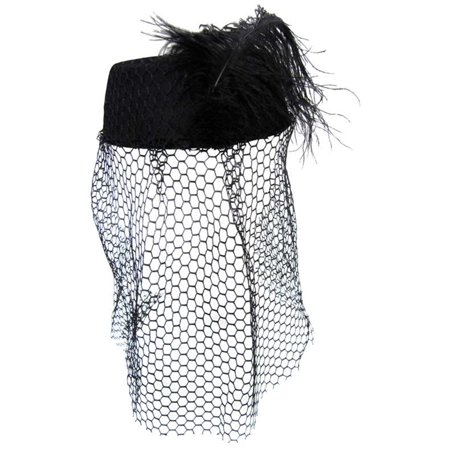 Black Pillbox Hat With Veil (Mini Top Hat With Veil)