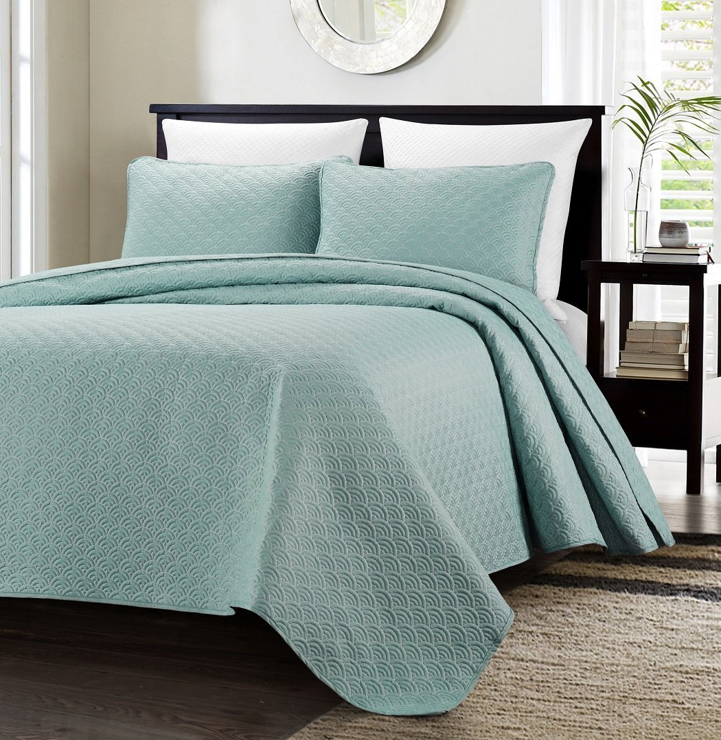 Malibu 3-piece Sea Shell Quilted Oversized Bedspread Coverlet Set (Queen, Malibu Blue), Oversized Bedspread Set By Chezmoi Collection Ship from US