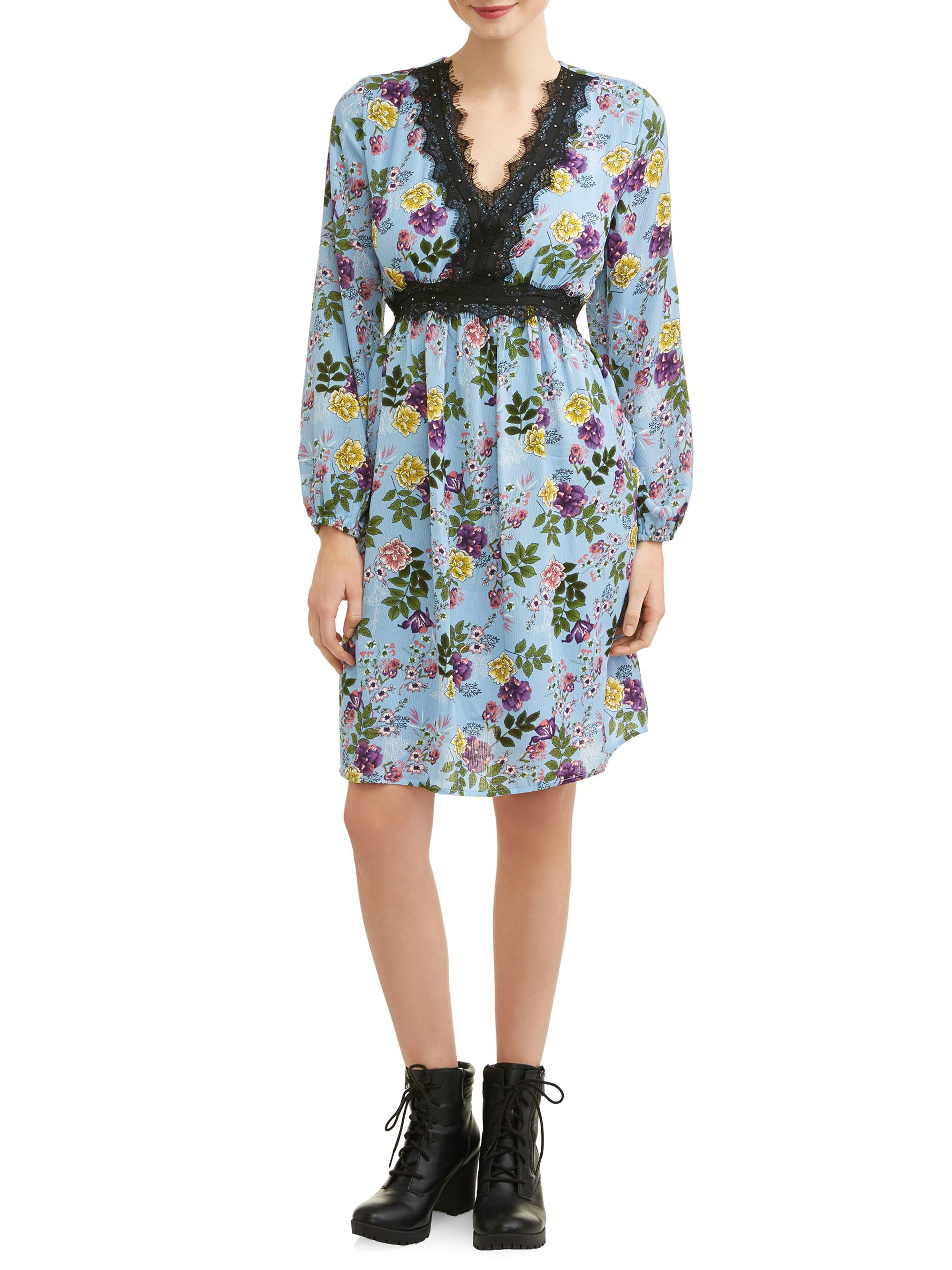Juniors Patterned Dress with Lace Detail