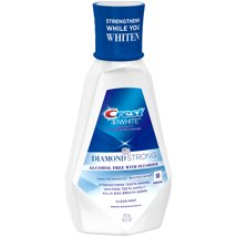 Mouthwash: Crest 3D White Diamond Strong