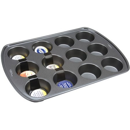 Wilton Perfect Results Muffin Pan, 12 cavity