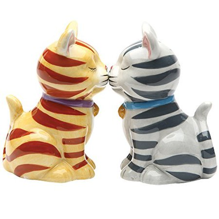 Cap Salt - Striped Kissing Kittens Magnetized Tabby Cats Salt And Pepper Shaker Set