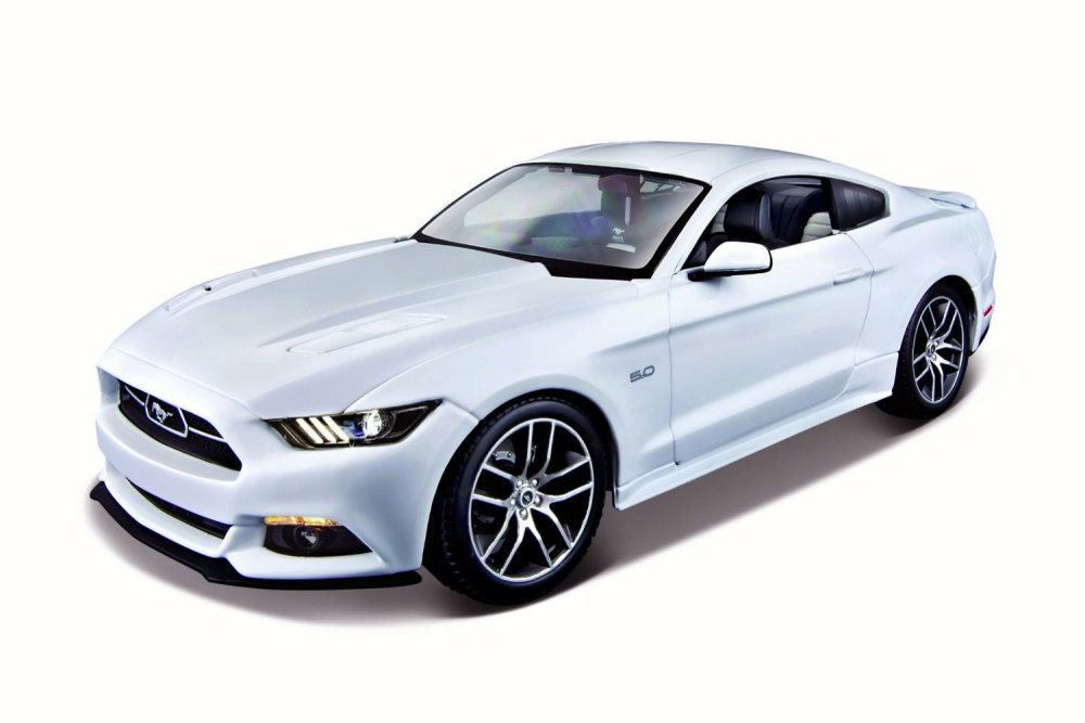 2015 Ford Mustang GT, White Maisto 38133 1 18 Scale Diecast Model Toy Car by Maisto