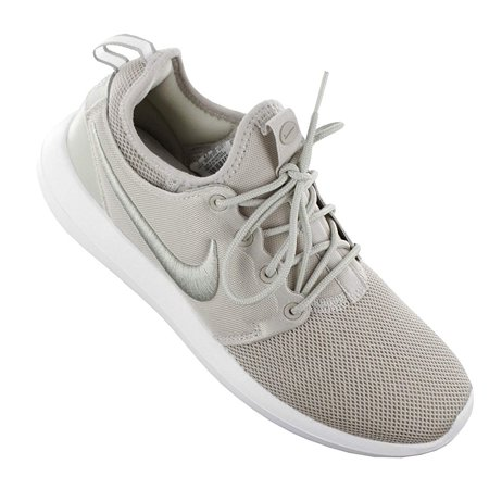 uk availability e7edd 4d031 Nike Womens Roshe Two Leather Low Top Lace Up Basketball Shoes - image 1 of  2 ...