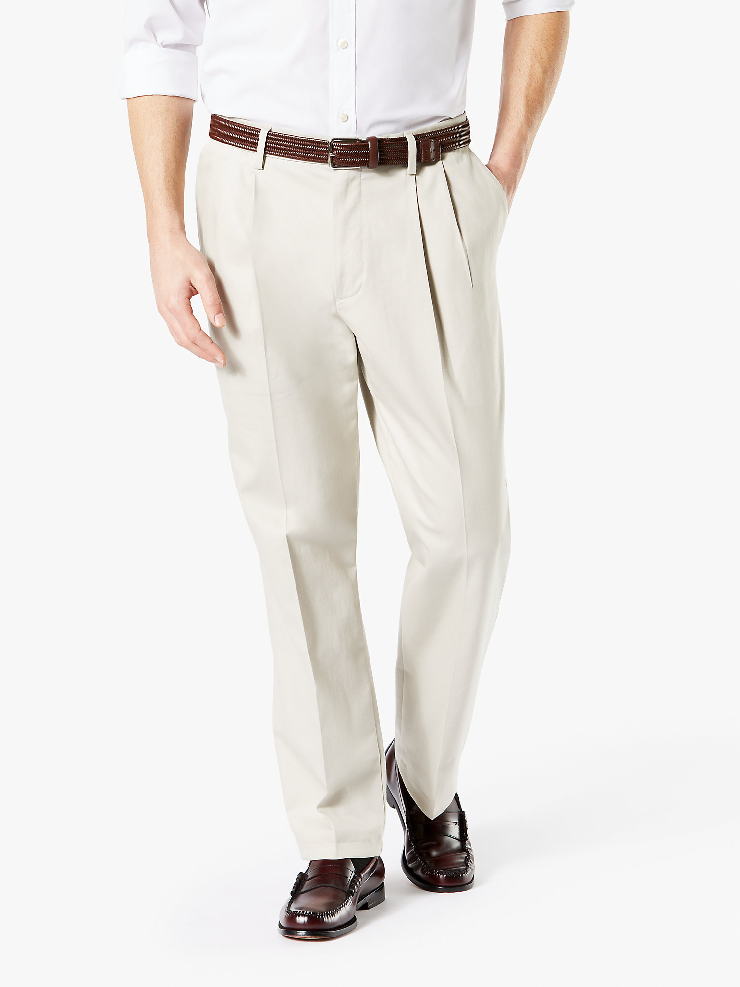 Men's Big & Tall Pleated Classic Fit Signature Khaki Lux Cotton Stretch Pants