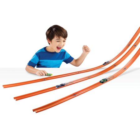 HOT WHEELS CAR & MEGA TRACK PACK