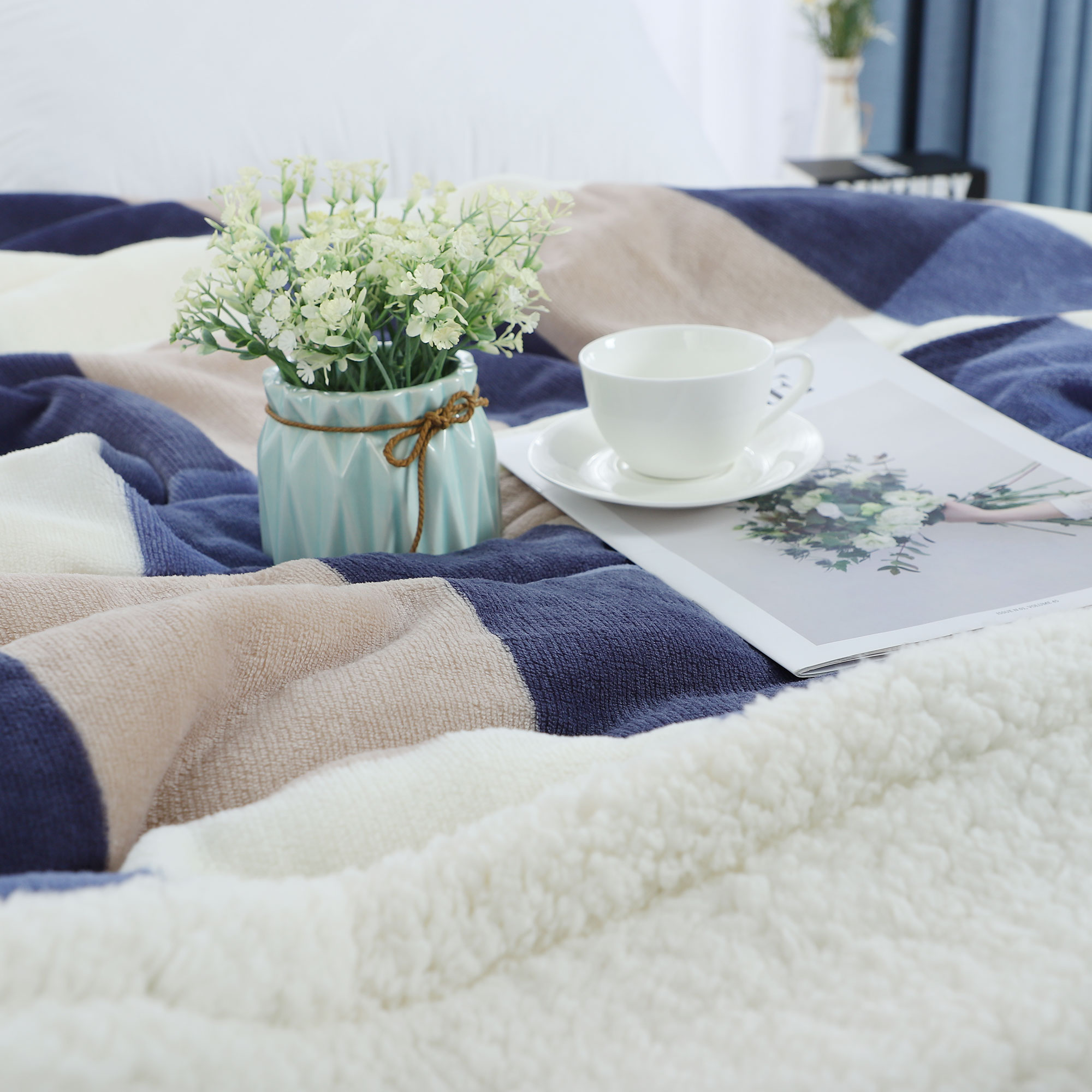 "Soft Faux Lambswool Blanket Reversible Plaid Pattern Bed Blanket Full 70"" x 78"" - image 3 de 8"