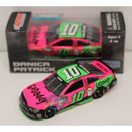 Danica Patrick 2015 Godaddy Paint The Track Pink 1 64 Nascar Diecast