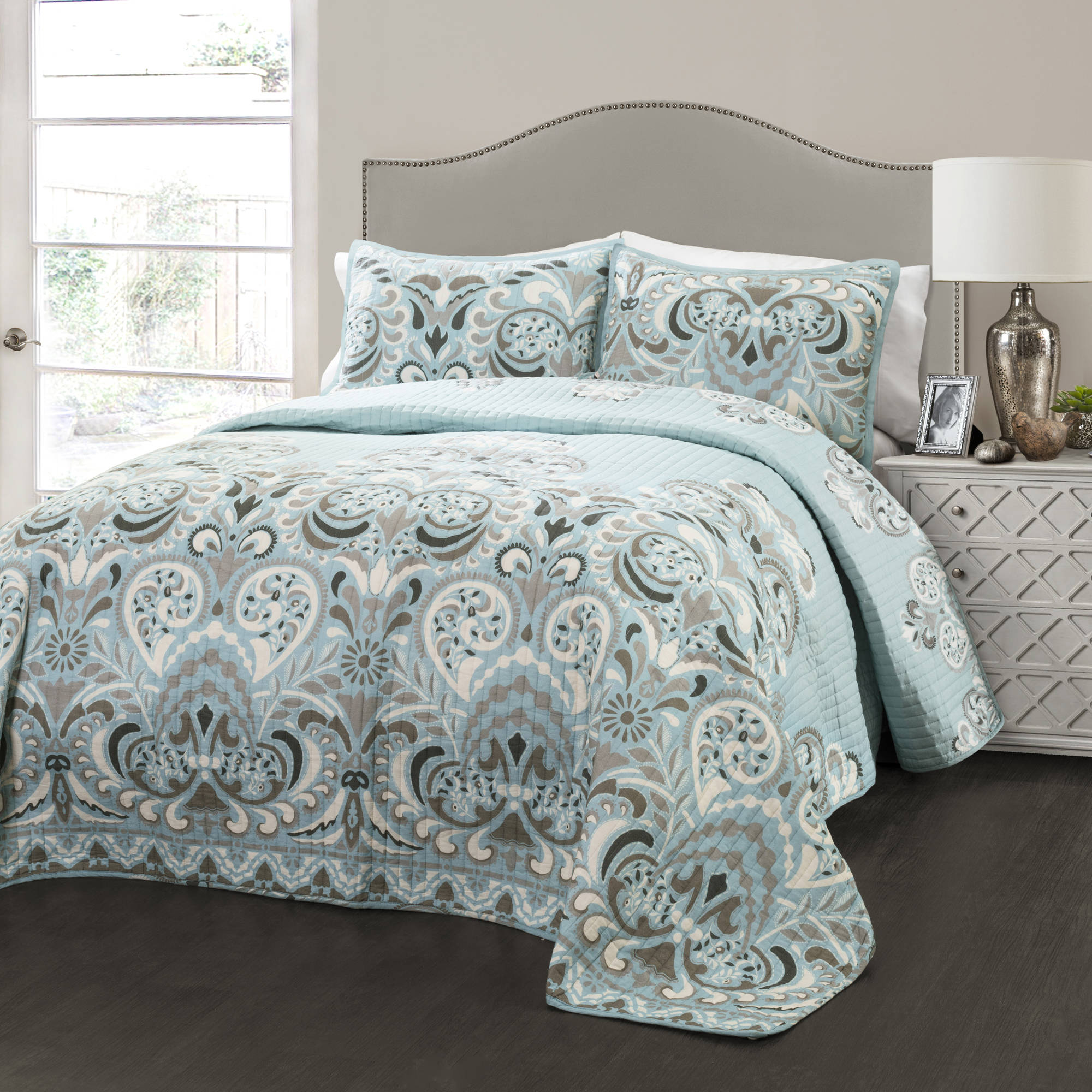 Clara 3-Piece Bedding Quilt Set by Generic