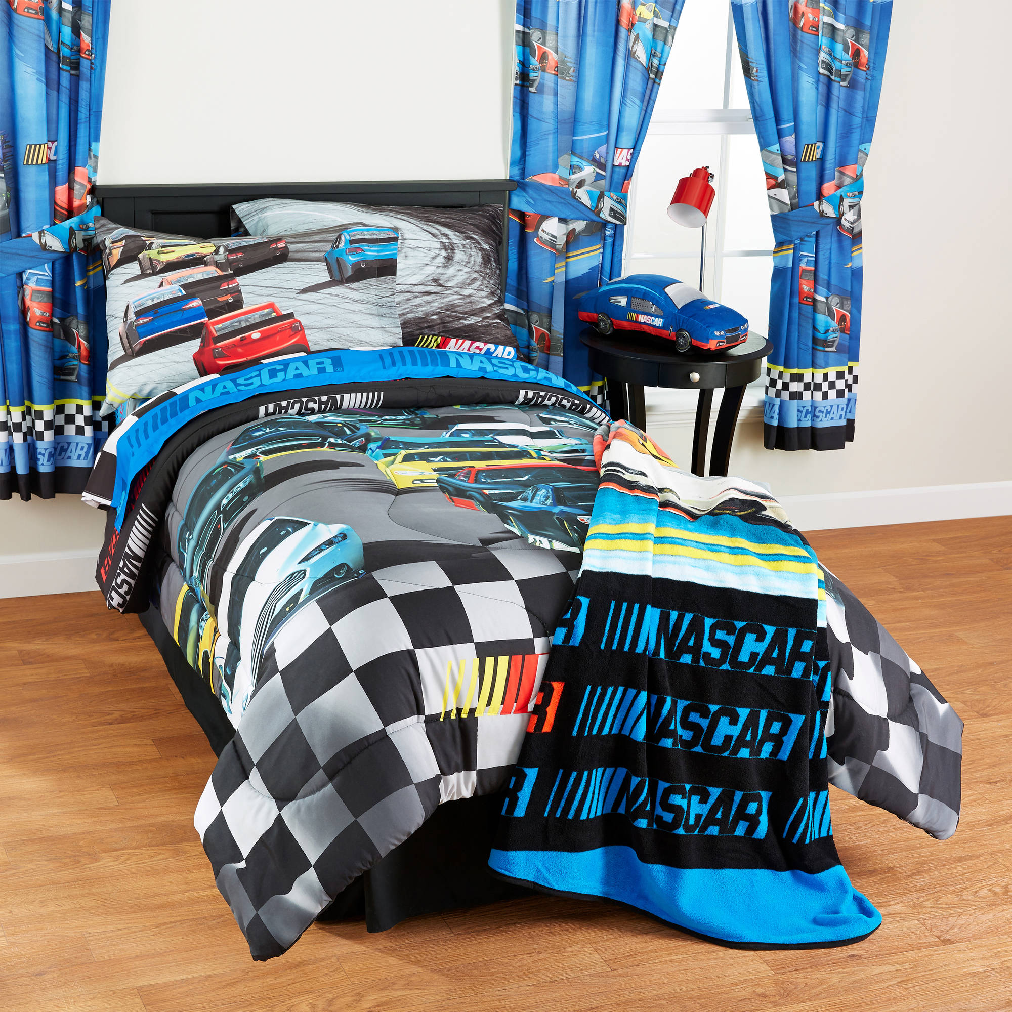 "NASCAR ""Bump Drafting"" Twin/Full Bedding Comforter"