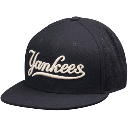 New York Yankees Nike Vapor Performance Fitted Hat - Navy