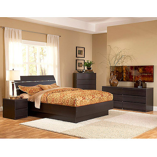 Laguna 4 Piece Queen Bed, Night Stand, Dresser And Chest Set, Lacquered