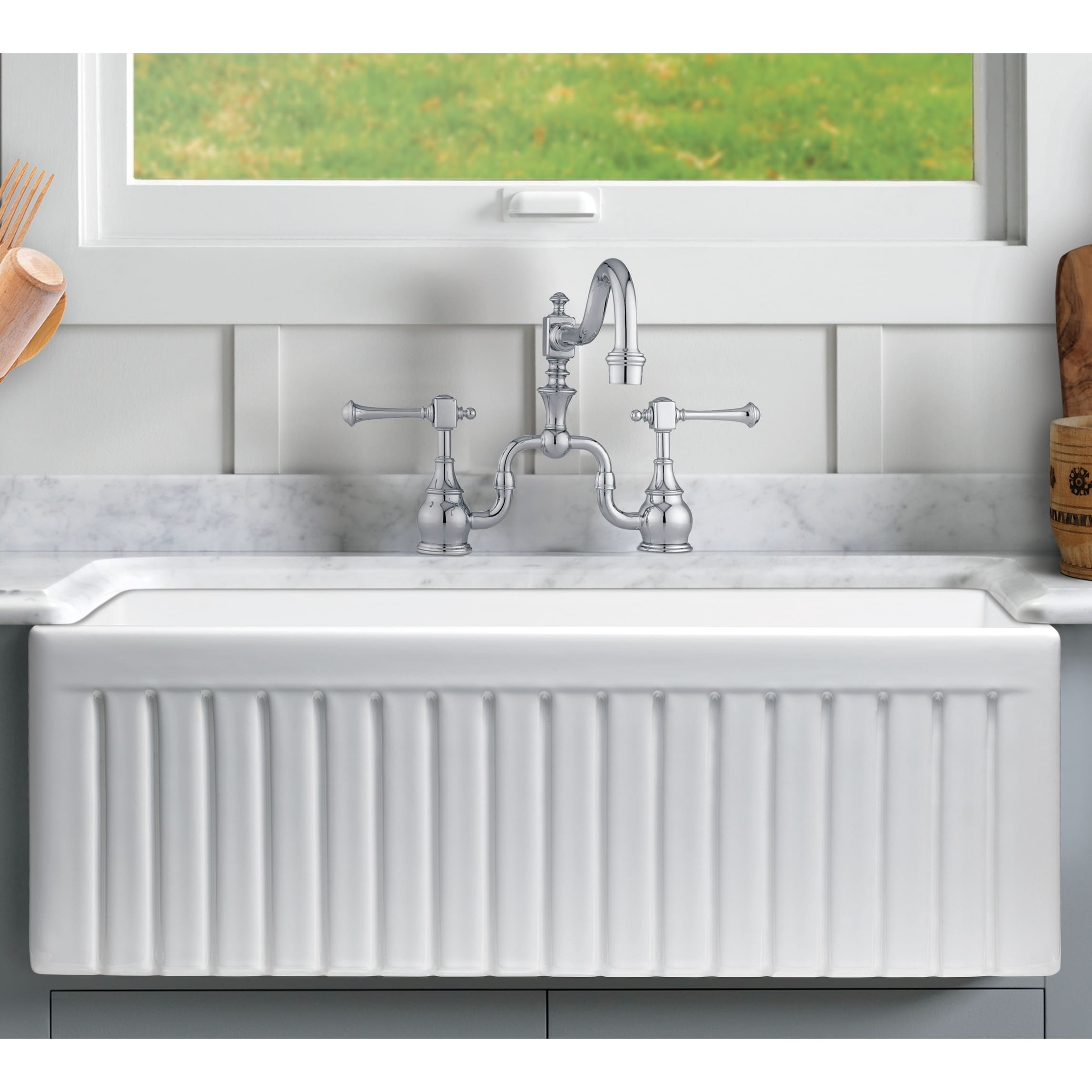 Sutton Place Reversible Farmhouse Fireclay 33 in. Single Bowl Kitchen Sink in White with Grid and Strainer - Walmart.com & Sutton Place Reversible Farmhouse Fireclay 33 in. Single Bowl ...