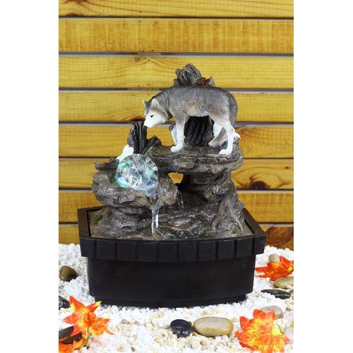 Delicieux OK Lighting Resin/Fibreglass Wolf Table Fountain With LED Light
