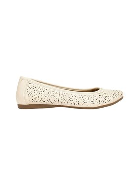 Women's Cliffs by White Mountain Karen Perforated Flat